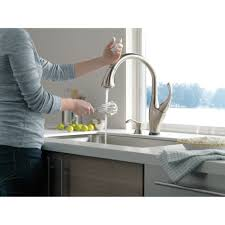 delta faucet 9192t sd dst addison polished chrome pullout spray