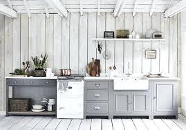 peinture grise cuisine decoration de cuisine craquez pour du bois blanchi du sol au