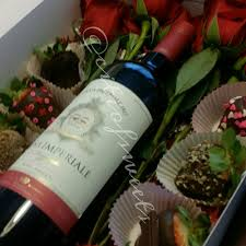 gift boxes for chocolate covered strawberries our special occasion gift boxes come with your choice of wines we