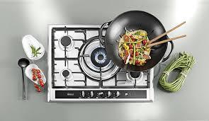 cuisiner dans un wok choisir des plaques de cuisson galerie photos d article 15 23