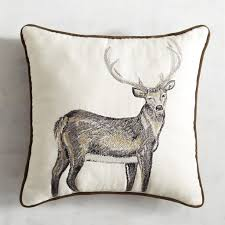 Outdoor Christmas Pillows by 25 Awesome Christmas Throw Pillows I Am A Homemaker