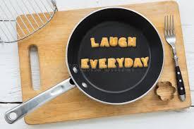 mot de cuisine mot rire de biscuits de lettre quotidien et ustensiles de cuisine