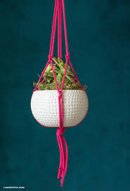 Simple Macrame Plant Hanger - easy diy macrame plant hanger tutorial