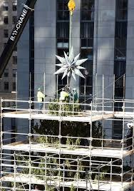 see swarovski u0027s star dazzle on rockefeller center u0027s xmas tree