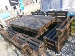 canapé exterieur en palette 5 idées pour recycler des palettes en bois dans jardin