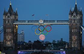 olympic rings london images Breathtaking photo shows full moon forming sixth ring in olympic jpg