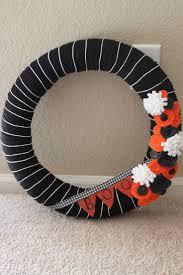 Diy Halloween Wreath Ideas by 79 Best Yarn Wreath Images On Pinterest Yarn Wreaths Wreath