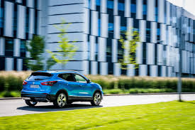 nissan qashqai euro 6 nissan stops selling the qashqai awaits final report from south