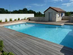 plage de piscine best amenagement plage piscine gallery home decorating ideas