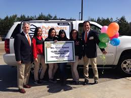 pch fan page facebook alabama woman gets shock of a lifetime as prize patrol arrives with