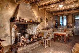 cuisine dans maison ancienne ancienne ferme fois intérieur d une ancienne maison de cagne