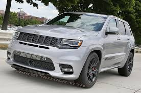 cherokee jeep 2000 spied 2018 jeep grand cherokee trackhawk in the buff