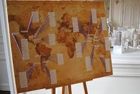 idã e plan de table mariage plan de table sur le thème du voyage carte du monde idée