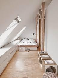 amenagement chambre sous pente 5 idées pour optimiser un espace en sous pente attic mezzanine
