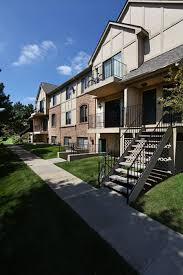 oakland university off campus apartments campus village communities 1 and 2 bedroom apartments with private entry