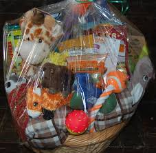 Pet Gift Baskets A Gift Basket For Man U0027s Best Friend U2014 Dogs In The Details