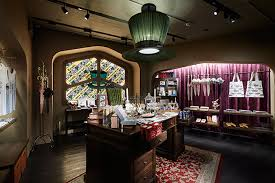 Alice In Wonderland Chandelier Sweets And Goods Straight From Alice U0027s Wonderland Check Out This