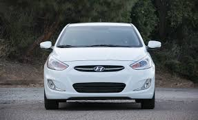 hyundai hatchback 2016 hyundai accent hatchback pictures photo gallery car and