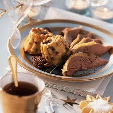 cuisiner oie oie rôtie et cannelés aux morilles et parmesan recette