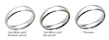 Difference Between Engagement Ring And Wedding Band by Diamond Engagement Rings 101 U2013 White Gold Vs Platinum