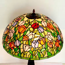 tulip pattern 2 light stained glass tiffany lamp