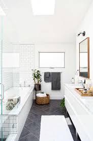 Bathroom Tile Black And White - des salles de bain black and white bathroom tiling