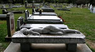 headstone designs a bizarrely creative headstone design for your inspiration