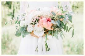wedding bouquets the 19 best flowers for your wedding ftd