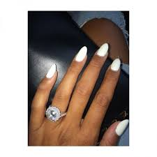fiancee ring kevin hart s fiancee flexes diamond ring on ig