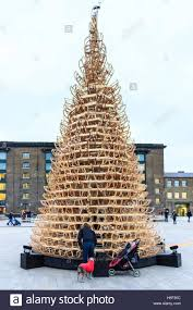 hello christmas tree let it snow christmas tree by creatmosphere and hello wood granary