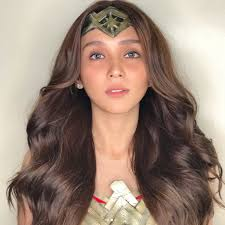 kathryn bernardo hair style kathryn bernardo stuns in wonder woman costume showbizinsider ph