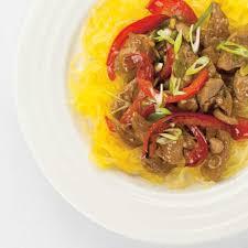 cuisiner une courge spaghetti courge spaghetti et sauté de porc asiatique ricardo