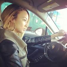 draya michele real hair length draya driving with her cute hairstyle draya michele