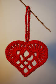 scandinavian crochet heart would make a lovely xmas or valentines