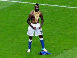 Mario Balotelli Meme - mad mario balotelli meme internet memes juxtapost