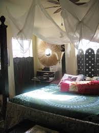 blue bedlinen bedcover red pillows mosquito net a so black blue bedlinen bedcover red pillows mosquito net a so black bedstead with canopy and nightstang with