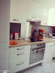 facades cuisine une cuisine mobalpa avec façades blanc laqué et plan de travail
