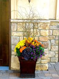 Front Porch Planter Ideas by Best 25 Fall Planters Ideas On Pinterest Outdoor Fall Flowers