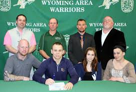 The Sunday Dispatch   Wyoming Area     s Zachary Briggs signs letter     The Sunday Dispatch