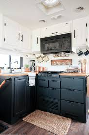 how to paint kitchen cabinets without streaks how to paint your rv kitchen cabinets mountainmodernlife