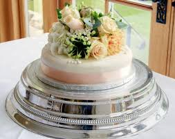 single tier wedding cake with fresh flowers on top jpg wedding