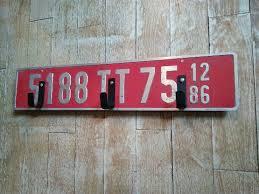 bureau des immatriculations une vieille plaque d immatriculation qui me sert d accroche torchon