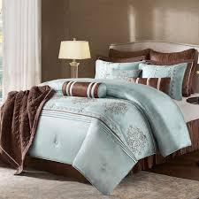 19 Luxury U0026 Designer Bedding Sets Qosy Designer Bed Italian Luxury Designer Velvet Button Upholstered