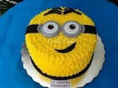 minion cakes piped minion cake party things minion cakes