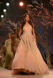 Indian Wedding Dresses Tips To Select The Right Bridal Wedding Gown Free Indian Wedding
