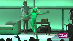 Sia Singing Chandelier Live Sia Chandelier Live At We Can Survive Sia