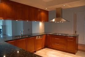 miroir cuisine donnez de la profondeur à votre cuisine habillez la crédence en