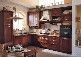 Italian Kitchen Furniture Decoration Italian Kitchen Cabinets With Latini Cucine Classic