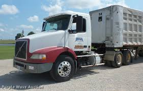 new volvo semi truck price 2003 volvo vnm semi truck item k6449 sold september 7 t