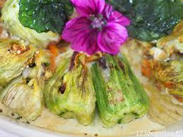 comment cuisiner les fleurs de courgettes fleurs de courgette farcies à l italienne végétarienne